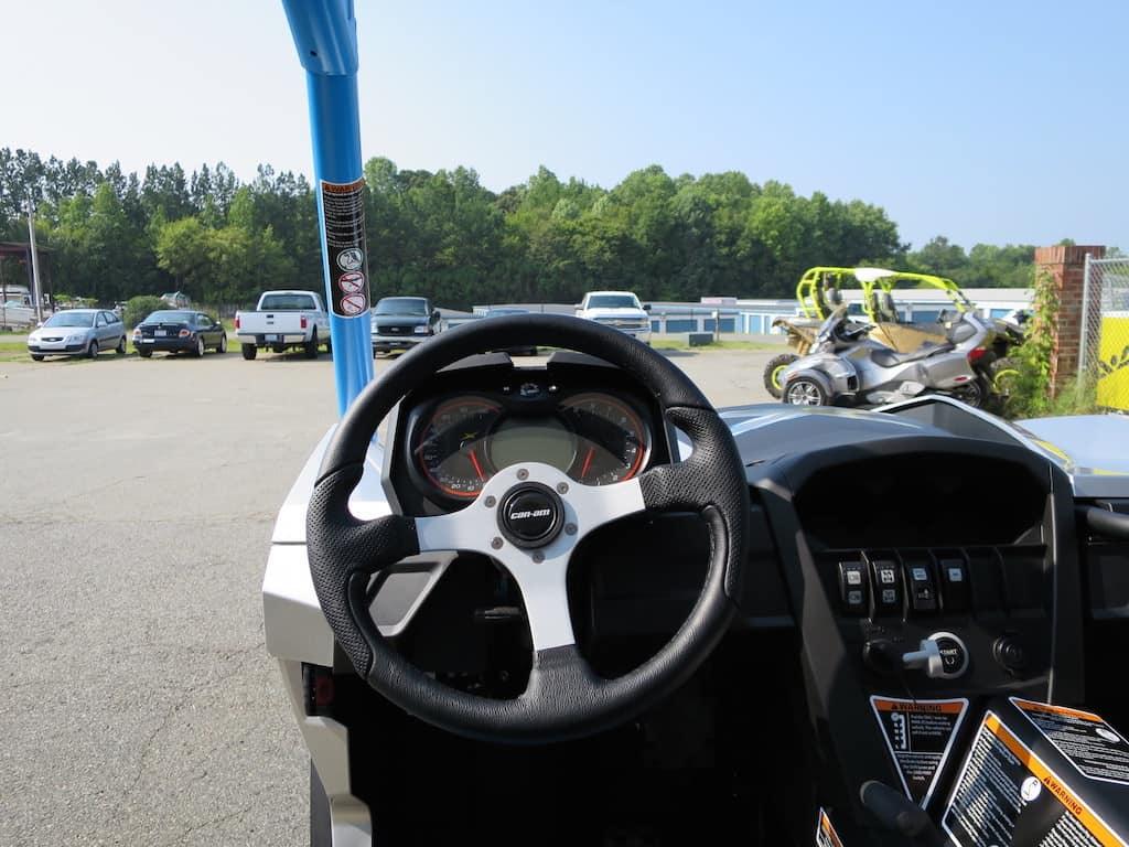 steering wheel buttons start keys