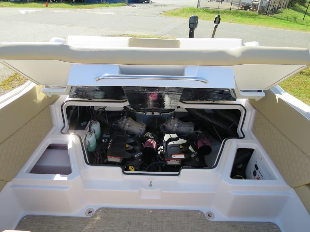 scarab 255 engine