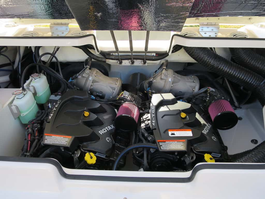twin engine scarab