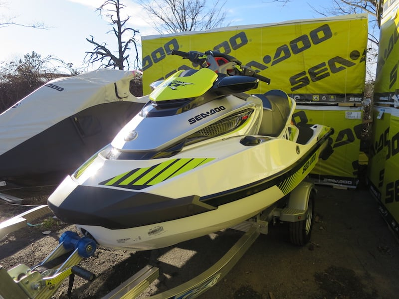 How Much Does a Jet Ski & Trailer Weigh? - Steven in Sales